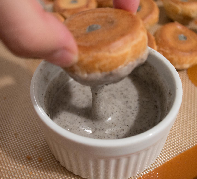 Choux à la Crème - Dipping Choux with Sesame Fondant