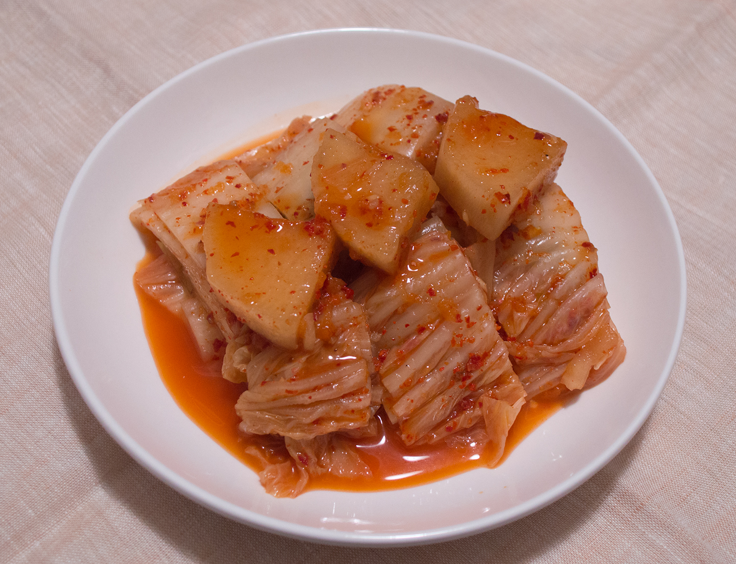 Pogi Kimchi (포기 김치) - Traditional Whole Cabbage Kimchi