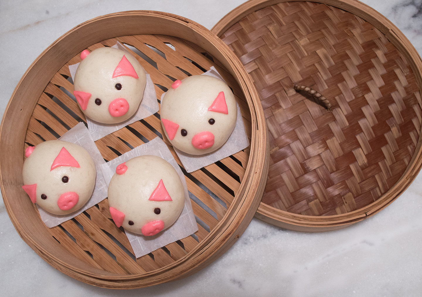 Custard Pig Bun - Pigs in Steamer
