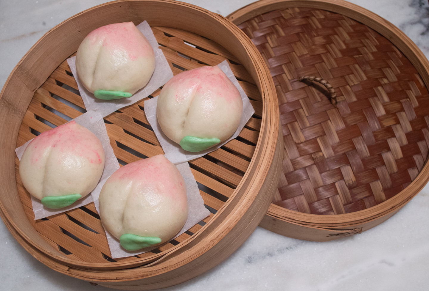 Shòutáo/Lián Róng Bāo (壽桃/蓮蓉包) - Longevity Peach Lotus Paste Steamed Buns