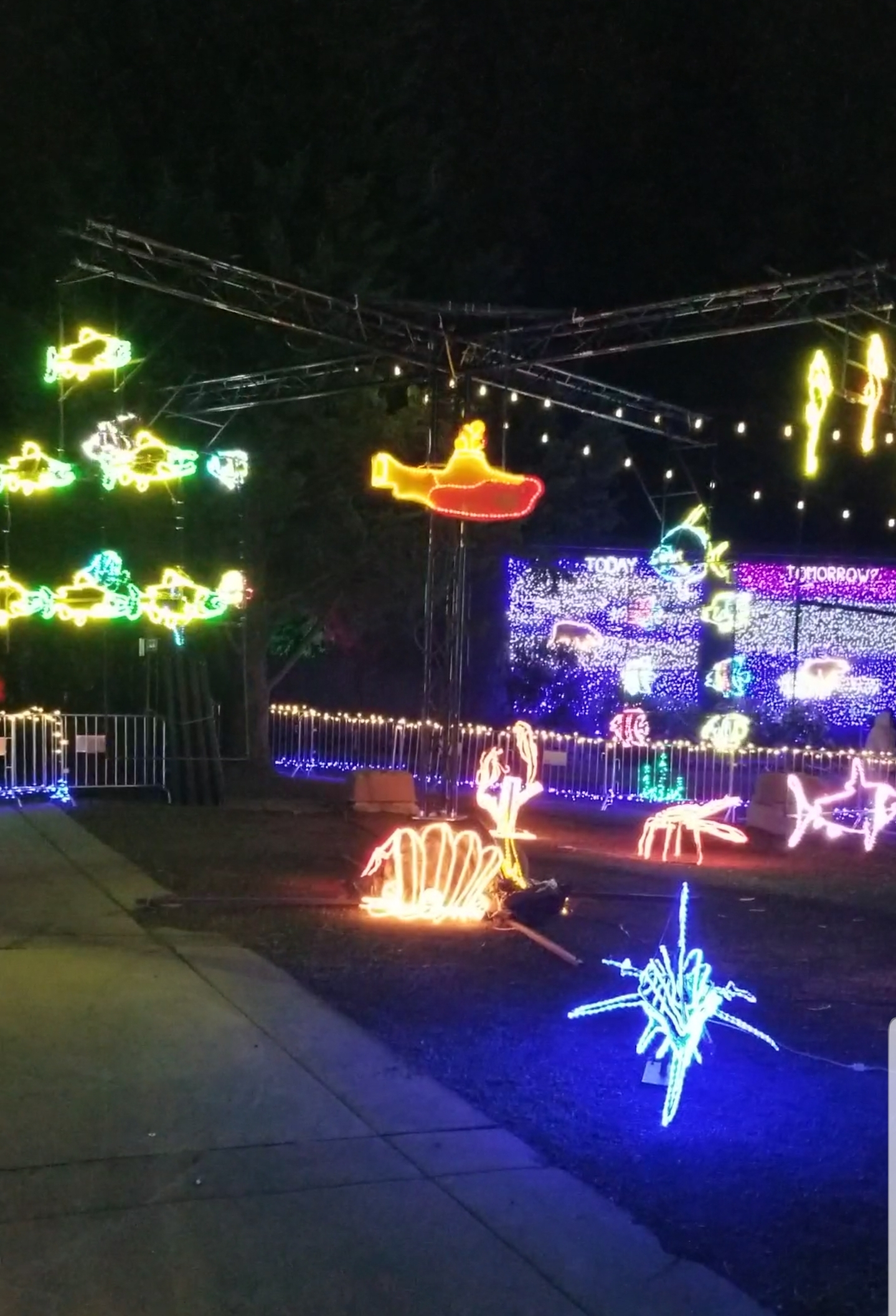 Thanksgiving Visit to Portland - Zoo Lights Undersea Mobile